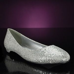 Brand New Wedding Silver Glitter Flats